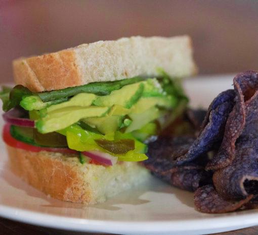 Vegi GF sandwich with Jacksons purple potato chips